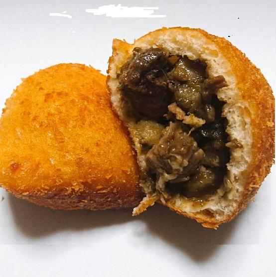 26.BoulangerieEMU_牛すじカレーパン