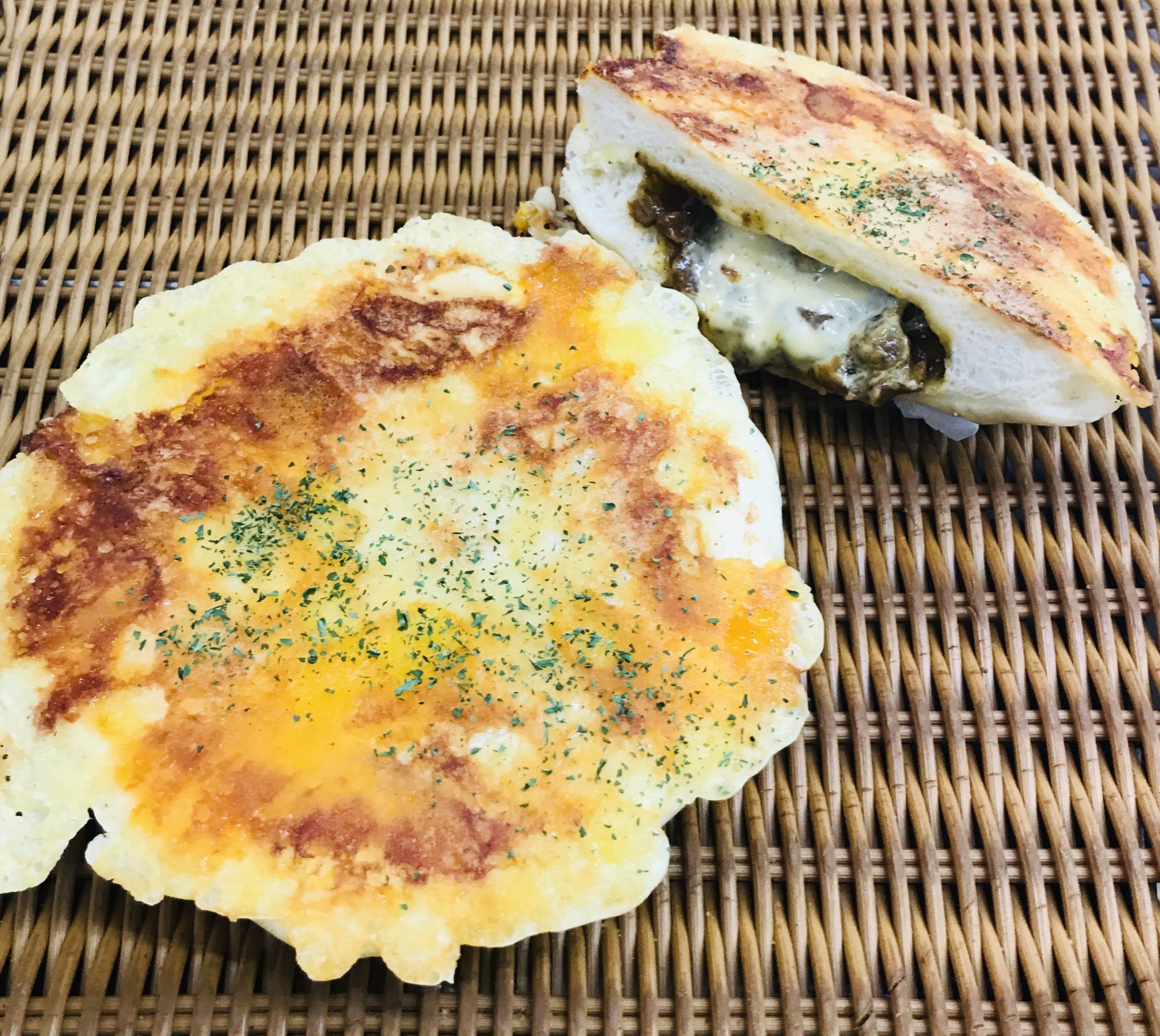 77.杏林堂の手作りパン工房ナチュール浜岡店_5種のチーズとこだわりカレーパン