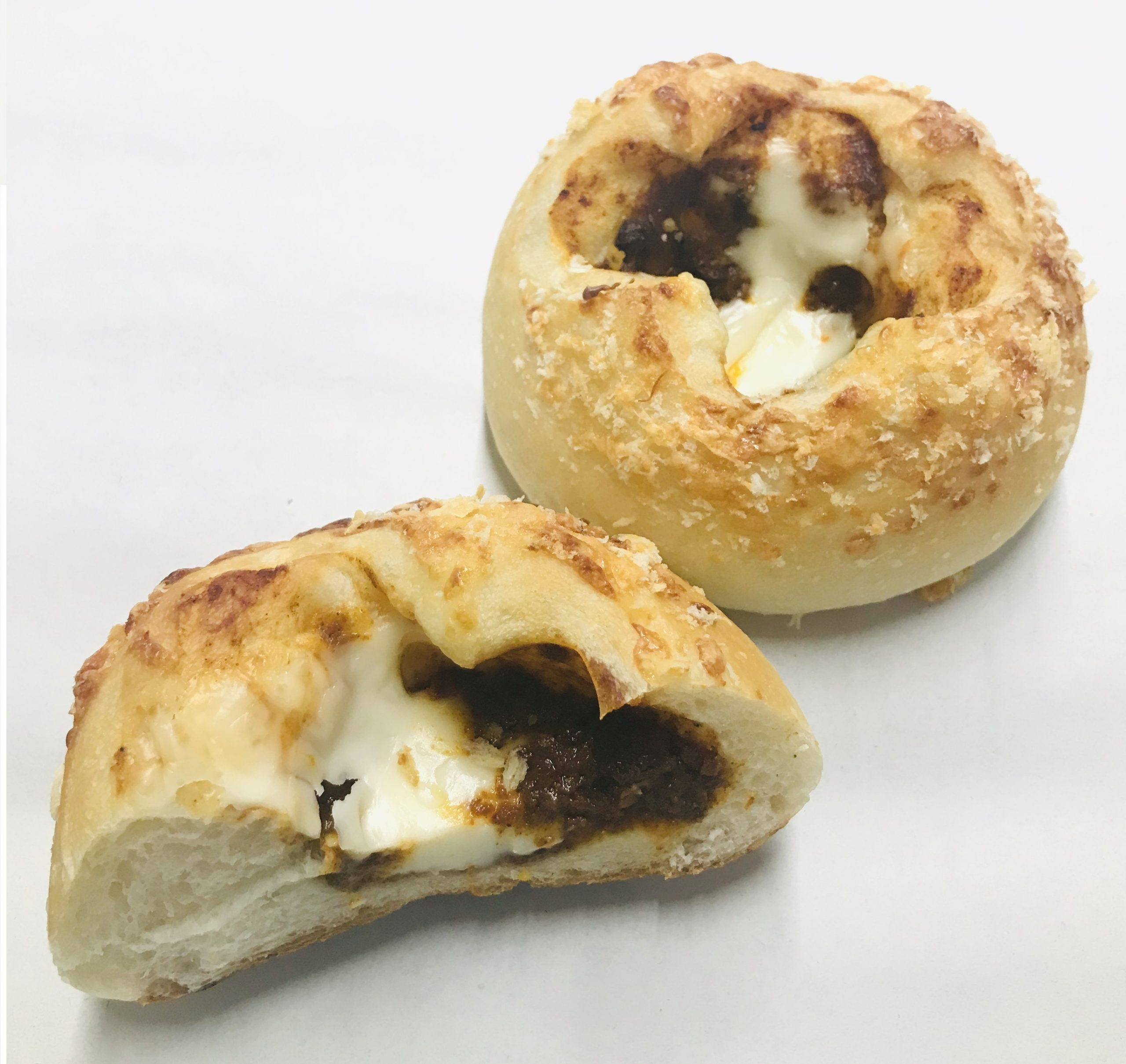 78.杏林堂の手作りパン工房ナチュール 和田店_ラクレットチーズの焼きカレーパン